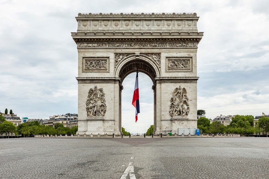 © sylvie Humbert - SH_CHAMPS-ELYSEES_TRICOLORE_04.jpg - protected by IMATAG